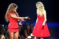 Beyonce-taylor